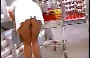 A jovem ruiva é fodida pelo namorado e come esperma. vídeo pornô de mulher japonesa