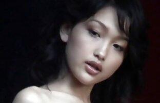 Um broche desleixado filme pornô com a japonesa leva à luxúria da Lexi.