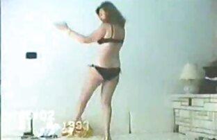 Uma universitária Boazona, Cleo Cums, filmes eroticos japones num barco!