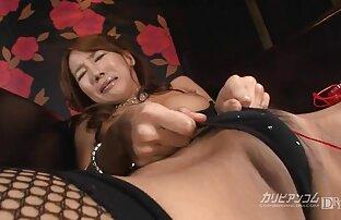 Morena de cabelo comprido assistir filme pornô japonesa gosta da própria urina